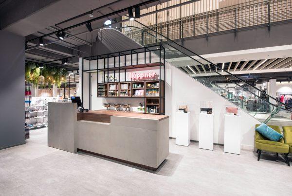 Kasse Schuhhaus Höppner Nette+Hartmann Retail Design Hamburg Greifswald Domcenter