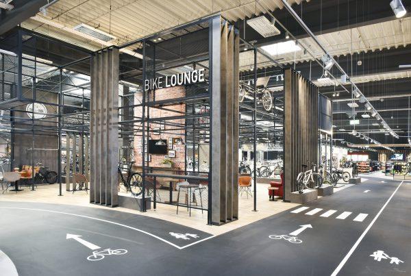 Bike Lounge_Fahrrad XXL Franz Shopdesign Hessen neus Design Baumarkt