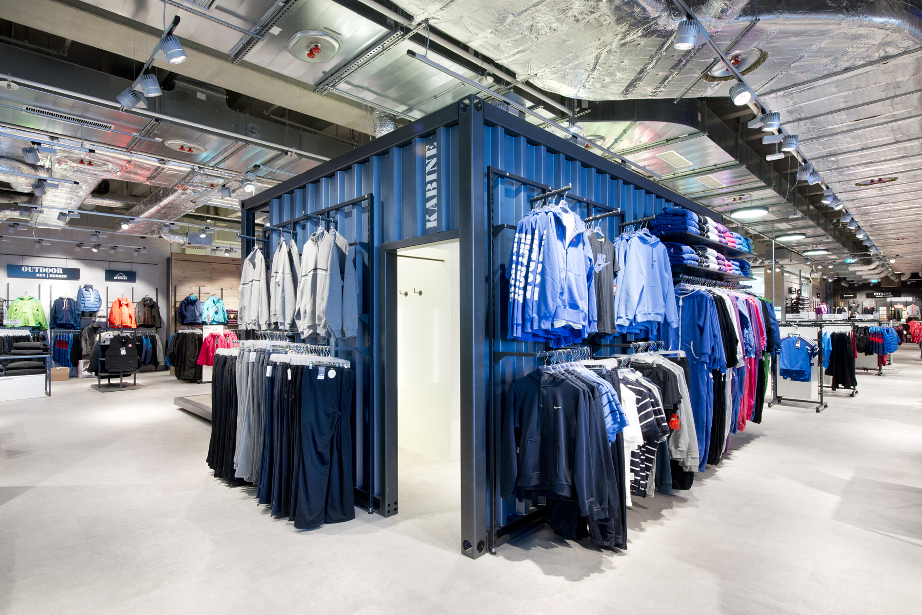 Intersport Jürgensen Citti-Park Container Indursrie Look Shopdesign Innenarchitektur Nette+Hartmann