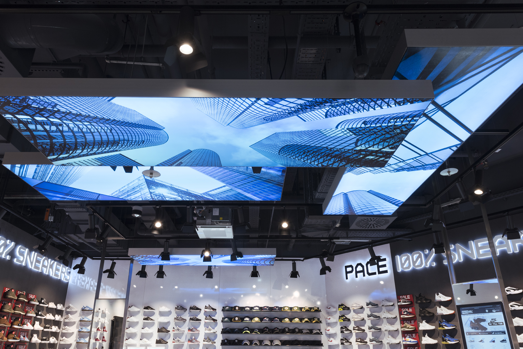 Pace East Side Mall Berlin Skyline Nette+Hartmann Interior Sneakerphop Trend Design